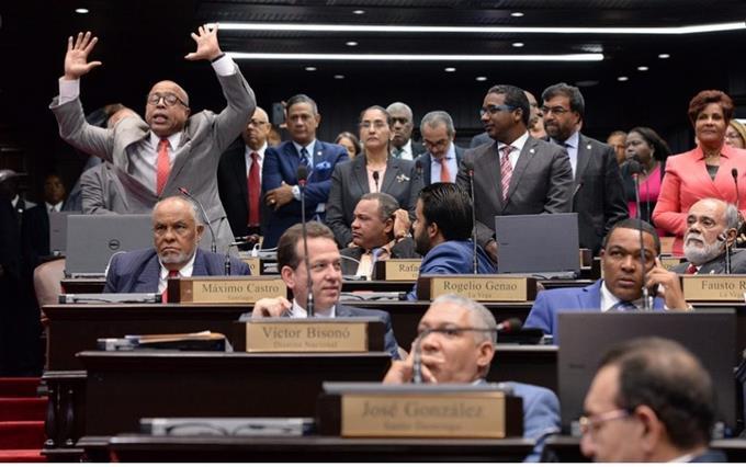 """Photo of Botello enfrenta a Pacheco: """"Su pose de apoyo al 30% AFP ha sido por la presión"""""""