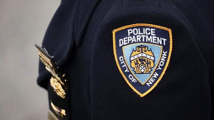 Photo of Guardia escolar del NYPD acusado de violar durante años a su hija: Autoridades