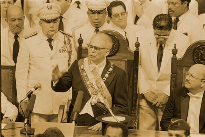 Photo of La ocasión en la que Balaguer nombró mujeres en todas las gobernaciones del país