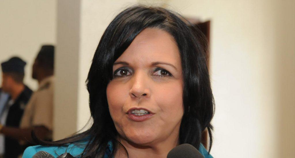 Photo of En un día con récord de contagios, Minou Tavárez denuncia se incumple distanciamiento social en colegios electorales