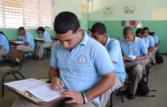 Photo of Suspenden Pruebas Nacionales correspondientes año escolar 2019- 2020